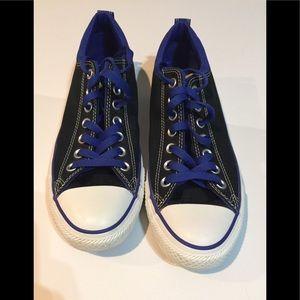 Converse All Stars black with blue trim
